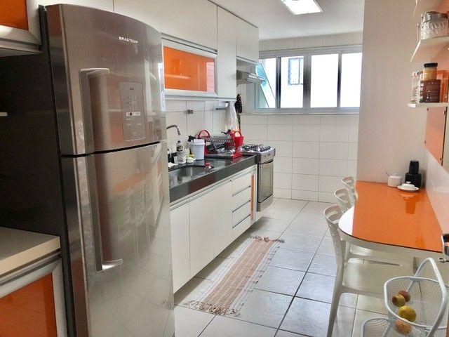Apartamento com 3/4 completo de armários na ponta verde  - Foto 13