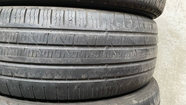 Jogo pneus Pirelli 225/60 R18