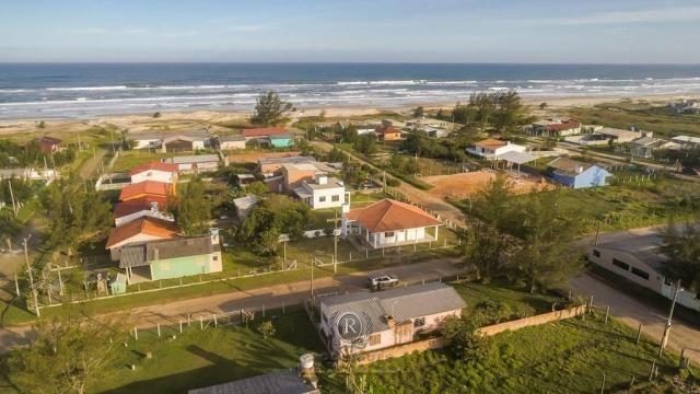 Casa a meia quadra da beira mar em Torres