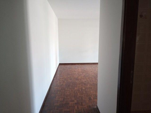 LOCAÇÃO | Apartamento, com 3 quartos em Zona 03, Maringá - Foto 2