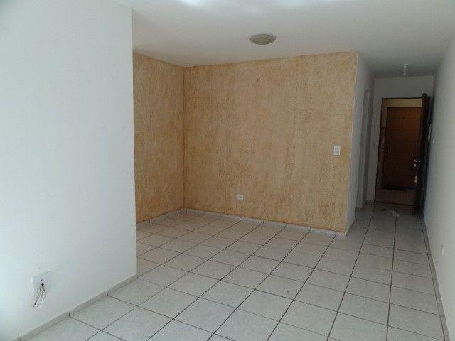 LOCAÇÃO   Apartamento, com 3 quartos em AEROPORTO, Maringá - Foto 15