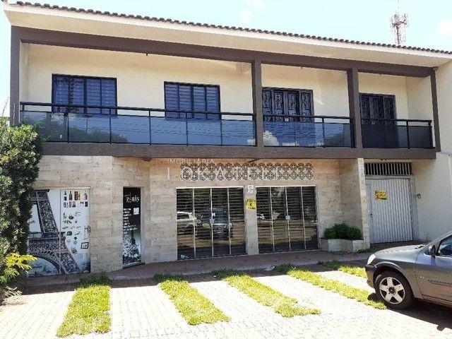 Apartamento para locação sobre loja no Universitário