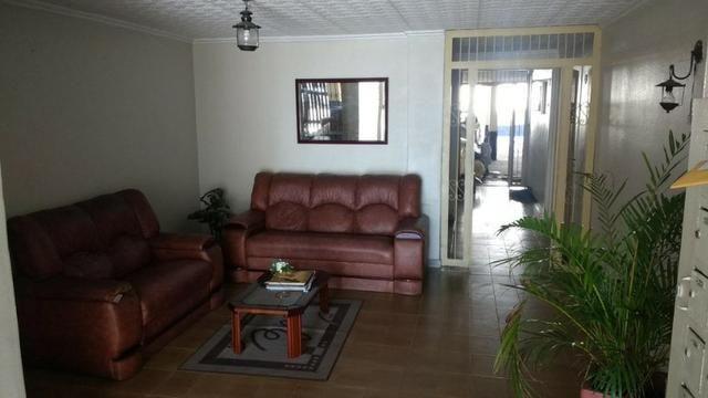 Apartamento desocupado 01 QT c/garagem. Ao lado da Meriti em Vista Alegre