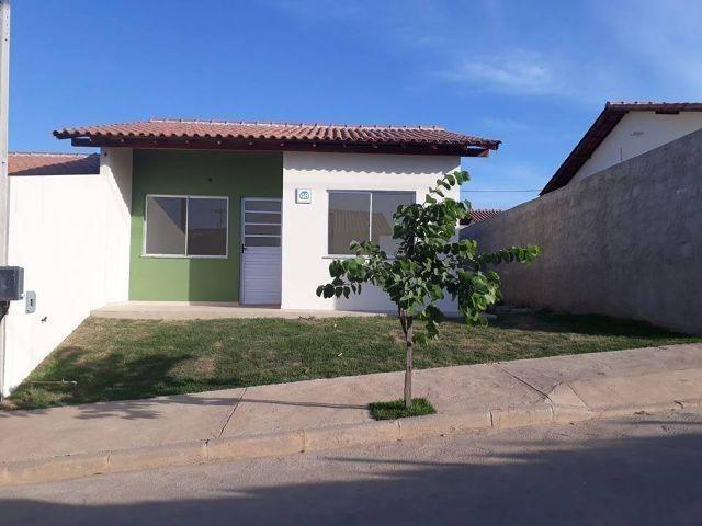 Casa 02 qts pronta com otimo quintal lazer -farto comercio e condução na porta-ligue já