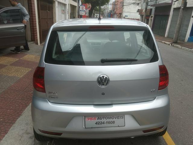 VW Fox 1.6 Trend GII Prata Completo 2014 2º Dono R$ 32.900,00 - Foto 6