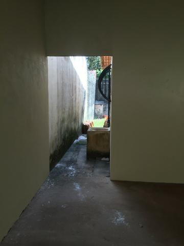 Excelente casa 100% Documentada, 2/4, Condomínio Imperial, ao lado do COPM, Financiável - Foto 6