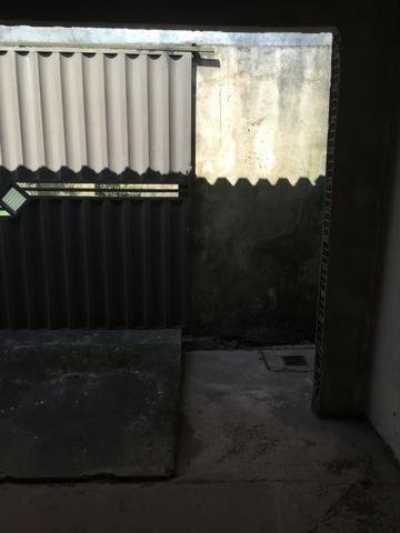 Excelente casa 100% Documentada, 2/4, Condomínio Imperial, ao lado do COPM, Financiável - Foto 3