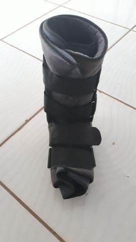 Vendo 2 botas ortopédicas - Foto 3