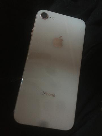 Vendo iPhone 8 64g top pra vender hoje