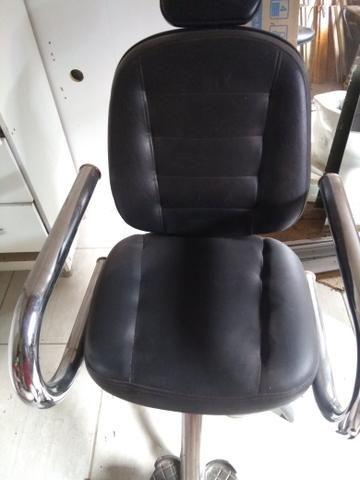 Cadeira hidráulica e reclinável, super bem resistente - Foto 4