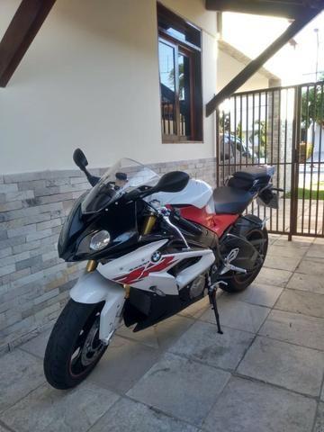 Moto BMW 1000RR muito nova , sem detalhes !