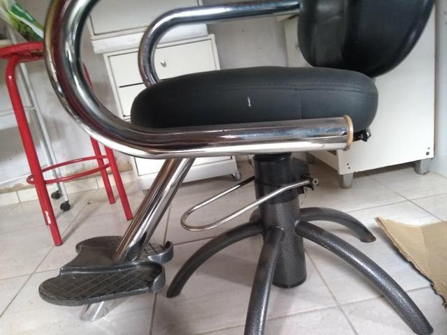 Cadeira hidráulica e reclinável, super bem resistente - Foto 2