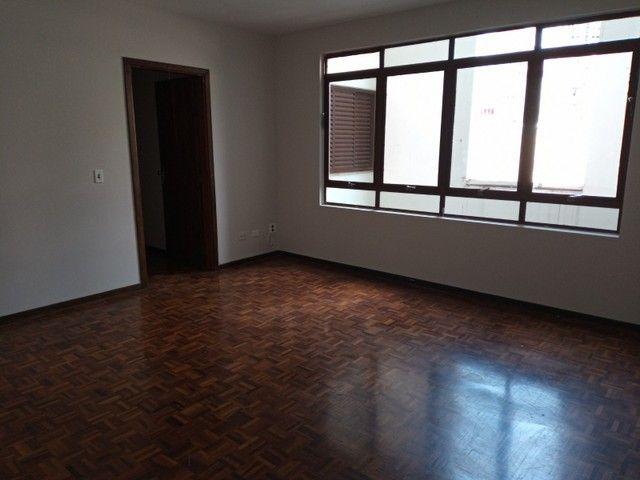LOCAÇÃO | Apartamento, com 3 quartos em Zona 03, Maringá - Foto 3