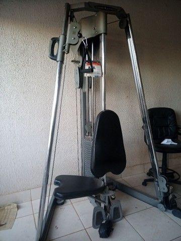 Ilha de musculação Vision Fitness completo + pesos e suporte
