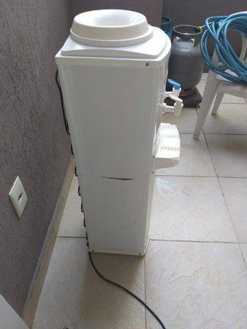 Bebedouro Refrigerado para galão, Marca Libell, 110V - Foto 4