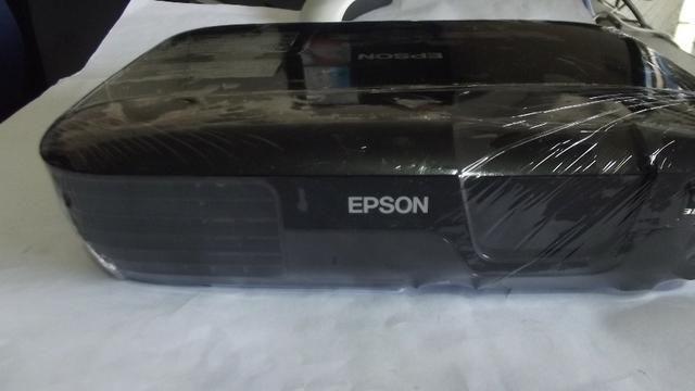 Projetor Epson Power Lite S5+, 2000 lúmens