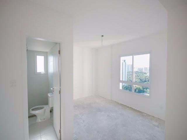Apartamento 3/4 em Patamares, 2 vagas, vista bosque livre - Foto 8