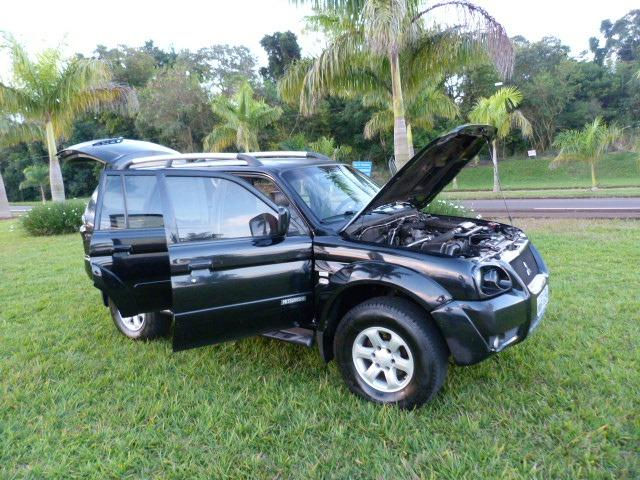 Pagero sport 2.5 4x4 manual a diesel impecavel - Foto 11