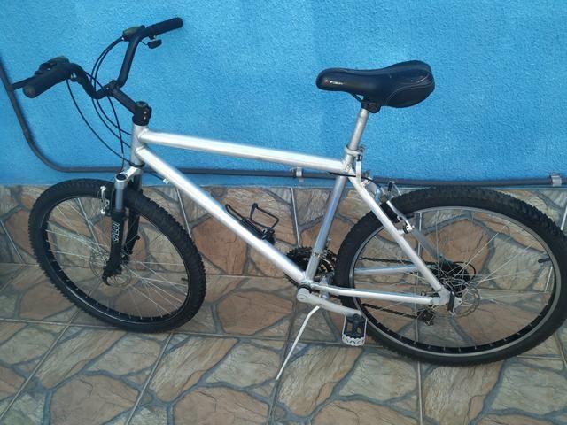 Bicicleta de alumínio 21 velocidade