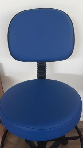 Cadeira giratória tipo mocho - Foto 4