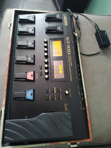 Pedaleira Boss GT100 com case - Foto 2