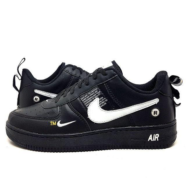 Tênis Nike Air Force 1 TM - Roupas e