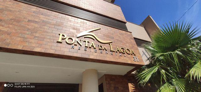 Apartamento 3 dormitórios de frente para lagoa do Violão - Foto 2