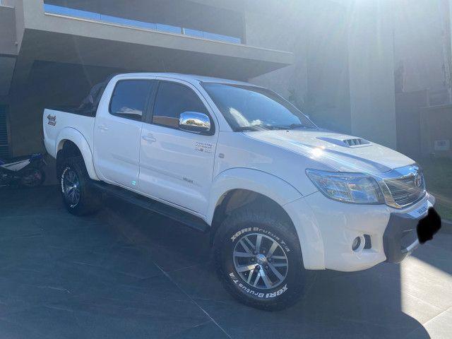 Camionete Toyota Hilux 2015 - muito nova, vale a pena conferir - Foto 3
