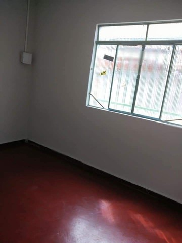 Casa 6 cômodos - Aluga-se