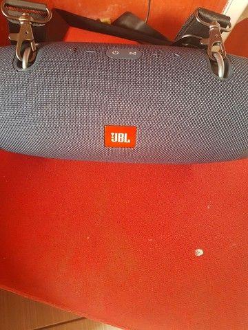Vende-se uma caixa JBL original XTREME  - Foto 3