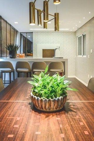Apartamento para venda possui 441 metros quadrados com 5 suítes e 5 vagas de garagem em Cu - Foto 8