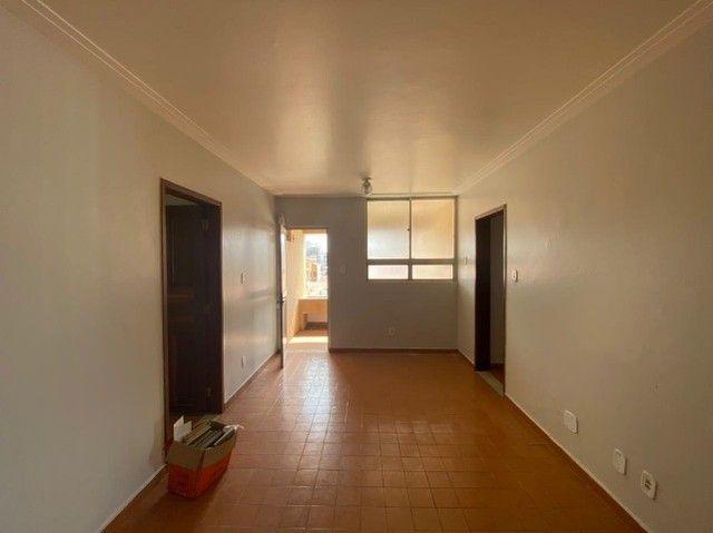 Vendo apartamento com 3 quartos na Ponta do Farol