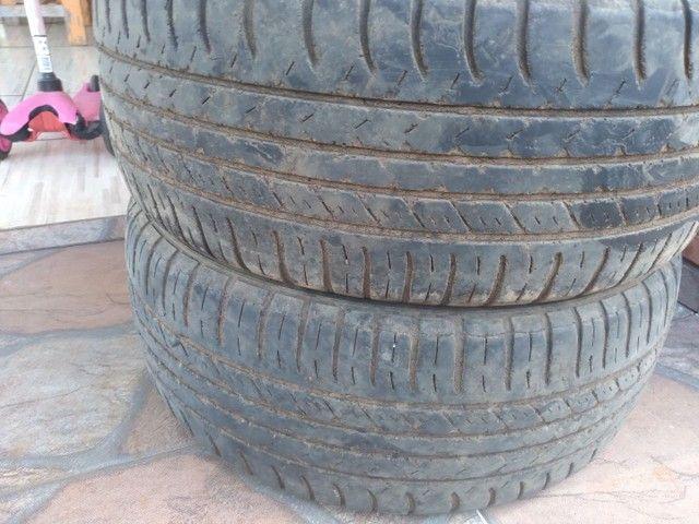 Vendo 2 pneus usados 195/50 r15