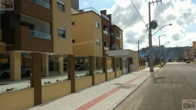 S&T# Apartamento com 2 dormitórios, bem localizado na região das Gaivotas. (48) 99693-1578