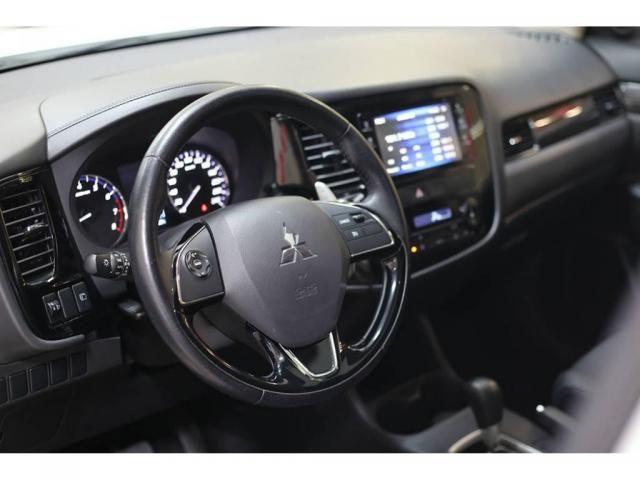 Mitsubishi Outlander 2.0 Aut. C/ Teto Solar - Foto 5