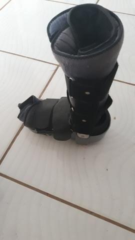 Vendo 2 botas ortopédicas - Foto 2