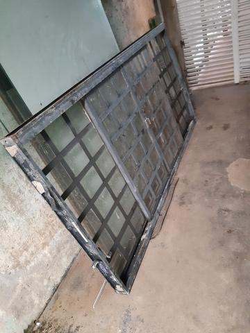 Vendo uma janela de ferro sasazaki usada mais está em perto estado - Foto 2