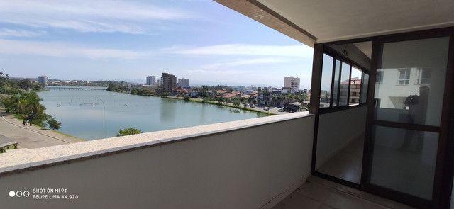 Apartamento 3 dormitórios de frente para lagoa do Violão - Foto 16