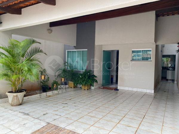 Casa sobrado com 3 quartos - Bairro Santa Genoveva em Goiânia - Foto 2