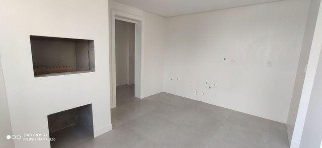 Apartamento 3 dormitórios de frente para lagoa do Violão - Foto 3