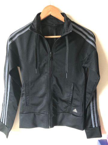 Jaqueta Adidas Original feminina tamanho P - Foto 3