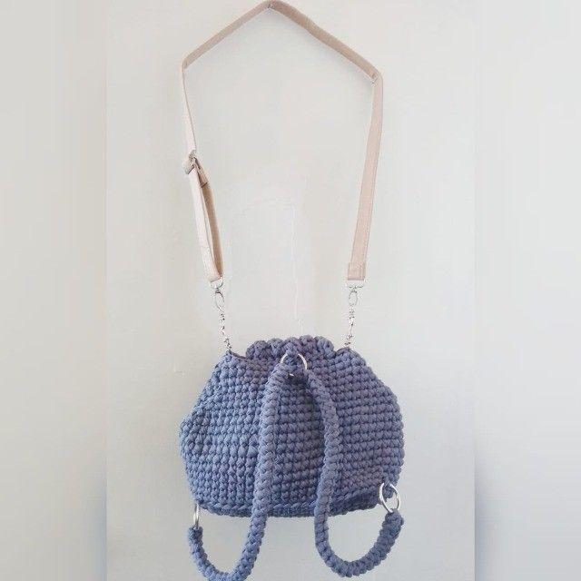 mochila de crochê em fio de malha - Foto 4