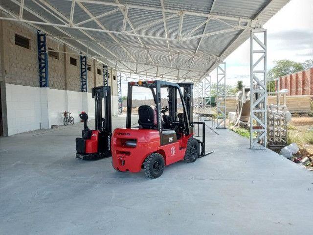 Empilhadeira Diesel | 2,5 toneladas | Torre Triplex de 4.700 mm - Foto 5