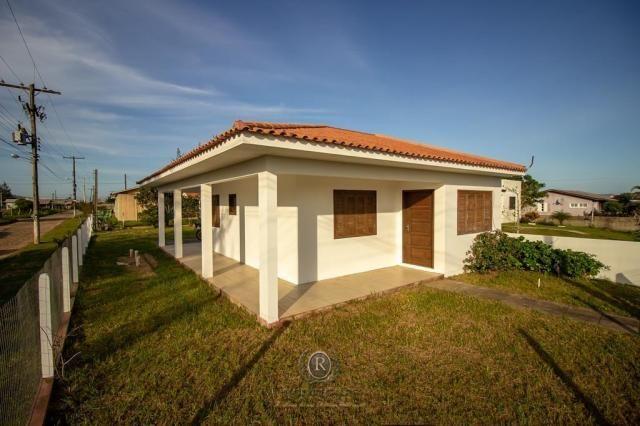 Casa a meia quadra da beira mar em Torres - Foto 3