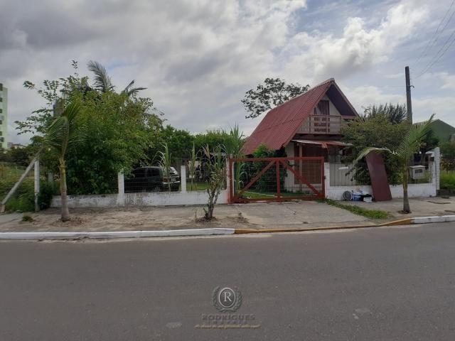 Terreno 585 m² próximo Lagoa do Violão