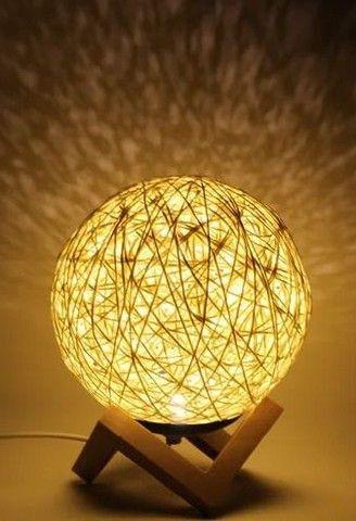 Luminária de Mesa Barbante Novelo