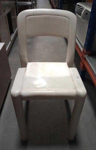 Cadeira s/ Braços Marfinite em Plástico Branco 76 cm x  43 cm x  41 cm - Foto 3