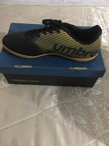 Chuteira futsal f5 umbro light
