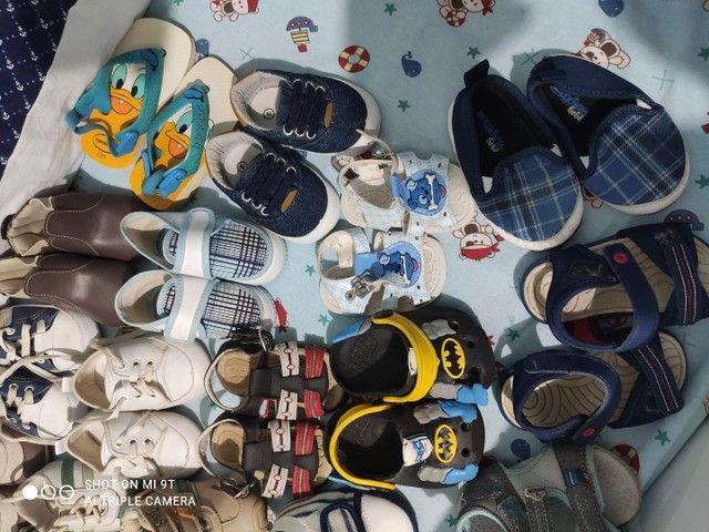 Lote com 18 pares de sapatinhos para menino - Foto 3