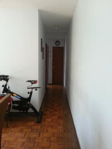 Apartamento ótima localização no bairro Santa Mônica